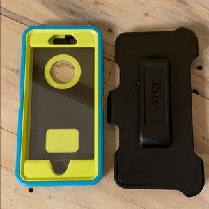 Otter Box Defender iPhone 6/6S case/belt clip